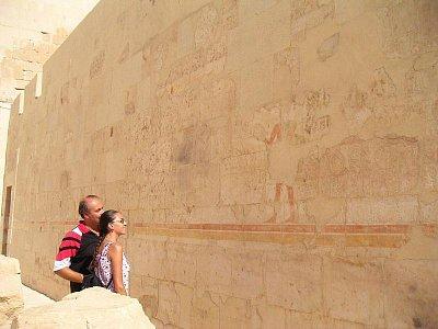 Hieroglyfy na stěnách chrámu královny Hatšepsut (nahrál: admin)