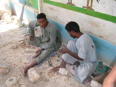 Ruční výroba alabastru v dílně (nahrál: admin)