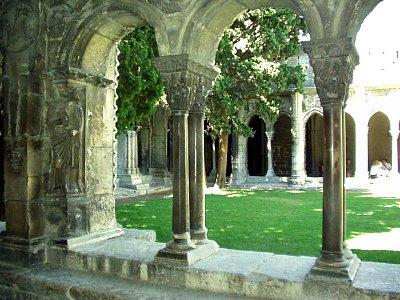 Rajský dvůr kláštera sv. Trofima (nahrál: admin)