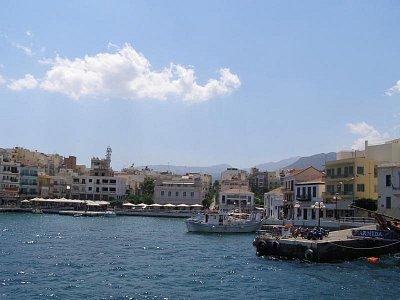 Agios Nokolaos - Po barbeque následuje odjezd lodí do Agios Nikolaos. Je to perla. (nahrál: Joanna)