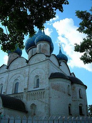 Jeden ze suzdalských kostelů (nahrál: admin)