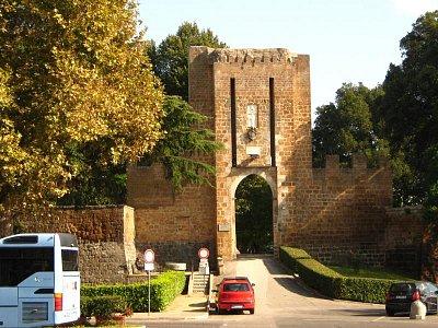 brána (nahrál: Lenka)