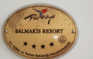 SALMAKIS  RESORT